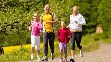 Biegać można w zasadzie wszędzie, w każdym wieku. Byle z głową!