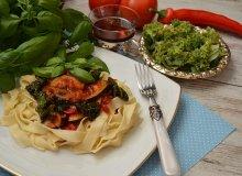 Tagliatelle z sosem warzywnym i jarmużem - ugotuj