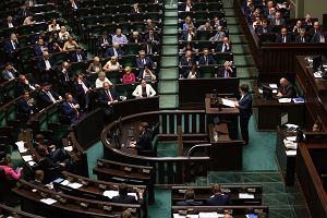 Sejm znów będzie debatował nad ustawą o Trybunale Konstytucyjnym nocą. Początek o północy