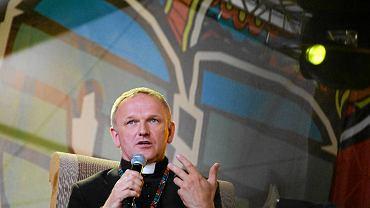 Ksiądz Lemański na Przystanku Woodstock