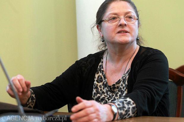 Krystyna Paw�owicz