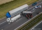 Ogromny korek na A4 w Gliwicach. Przewróciła się cysterna z paliwem