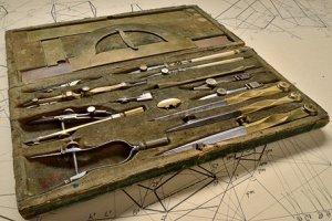 Zanim pojawiły się kserokopiarki. Na PG trafiły przyrządy kreślarskie z XIX i XX wieku