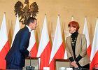 Morawiecki i Rafalska, dwie nogi rządu PiS: liberalna i socjalna. Plączą się, czy maszerują w jedną stronę?