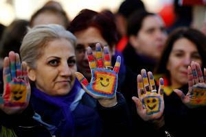 W Turcji na razie nie będzie ślubów gwałcicieli z nieletnimi dziewczynkami. Ustawa wycofana, ale skierowana do dalszych prac