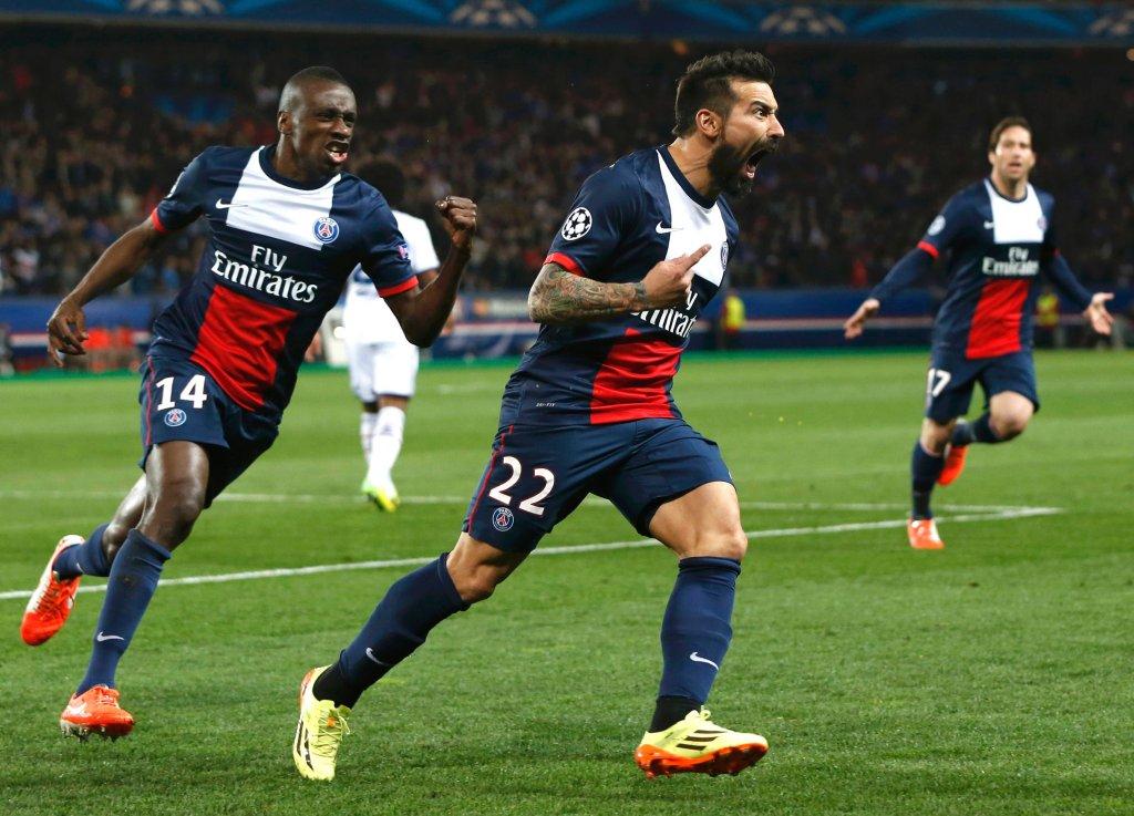 Lavezzi strzela, tak świętują gracze z Paryża