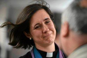 Ko�ci� Anglii b�dzie �wi�ci� kobiety na biskup�w. Pierwsza biskupka? Mo�liwe, �e jeszcze w tym roku