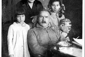 Rewolwer pod suknią, w gorsecie dynamit. Historia Aleksandry Szczerbińskiej. Bojowniczki, feministki, żony Józefa Piłsudskiego