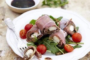 Roladki z szynki parme�skiej, bak�a�ana i mozzarelli (Melanzane e parma)