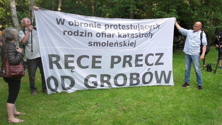 Protest przeciwko ekshumacji Arkadiusza Rybickiego.