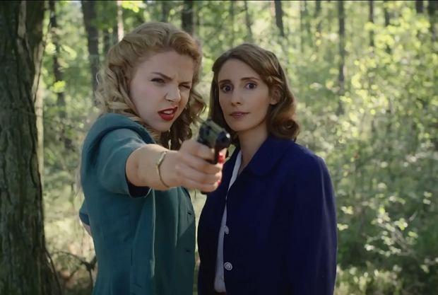 """""""Wojenne dziewczyny"""", czyli inne spojrzenie na wojnę. Jak wypadł pierwszy odcinek? [RECENZJA]"""