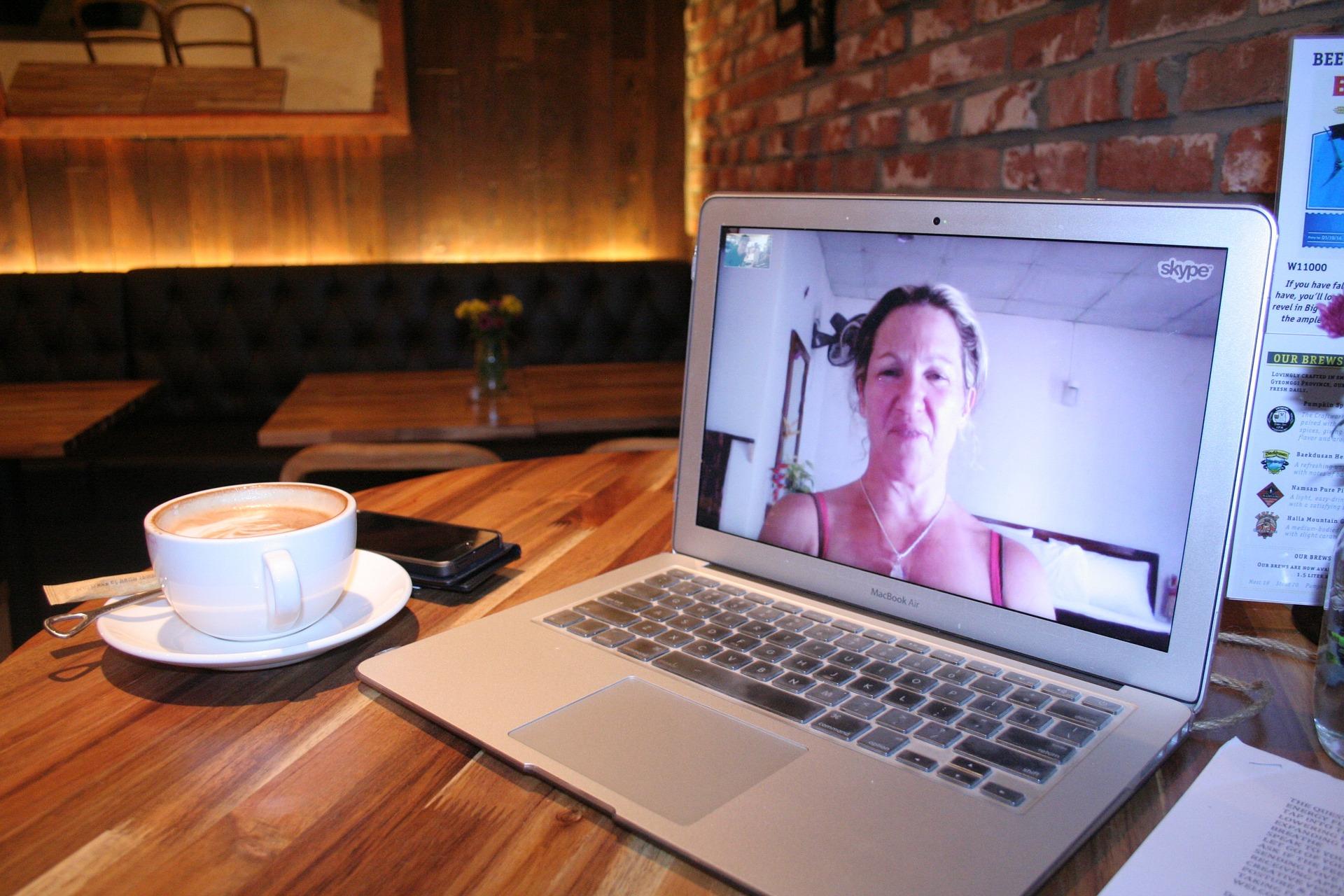 Skype to dla Polaków na emigracji popularna forma komunikacji z bliskimi (pixabay.com)