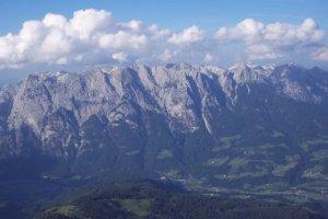 Polak ranny w jaskini Jack Daniels w Austrii. Do speleologa dotar� lekarz