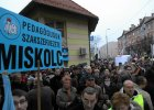 Tysi�ce W�gr�w protestuj� przeciw reformie o�wiaty. Zatrzymali dzieci w domach
