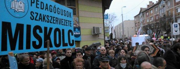 Węgierscy nauczyciele wściekli na rząd. Chcą cofnięcia reformy Orbána