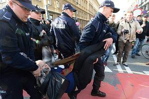 Policja chroniła ONR przed protestującymi. Są nagrania i zdjęcia z brutalnych interwencji