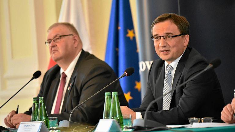 Prokurator krajowy Bogdan Święczkowski i prokurator generalny i minister sprawiedliwości Zbigniew Ziobro