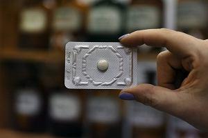 """Antykoncepcja awaryjna już tylko na receptę. Co musisz wiedzieć o tabletce """"dzień po""""?"""