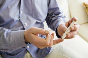 Cukrzyca. Co si� nale�y chorym? Jak si� bada�? Jak obni�a� poziom cukru?