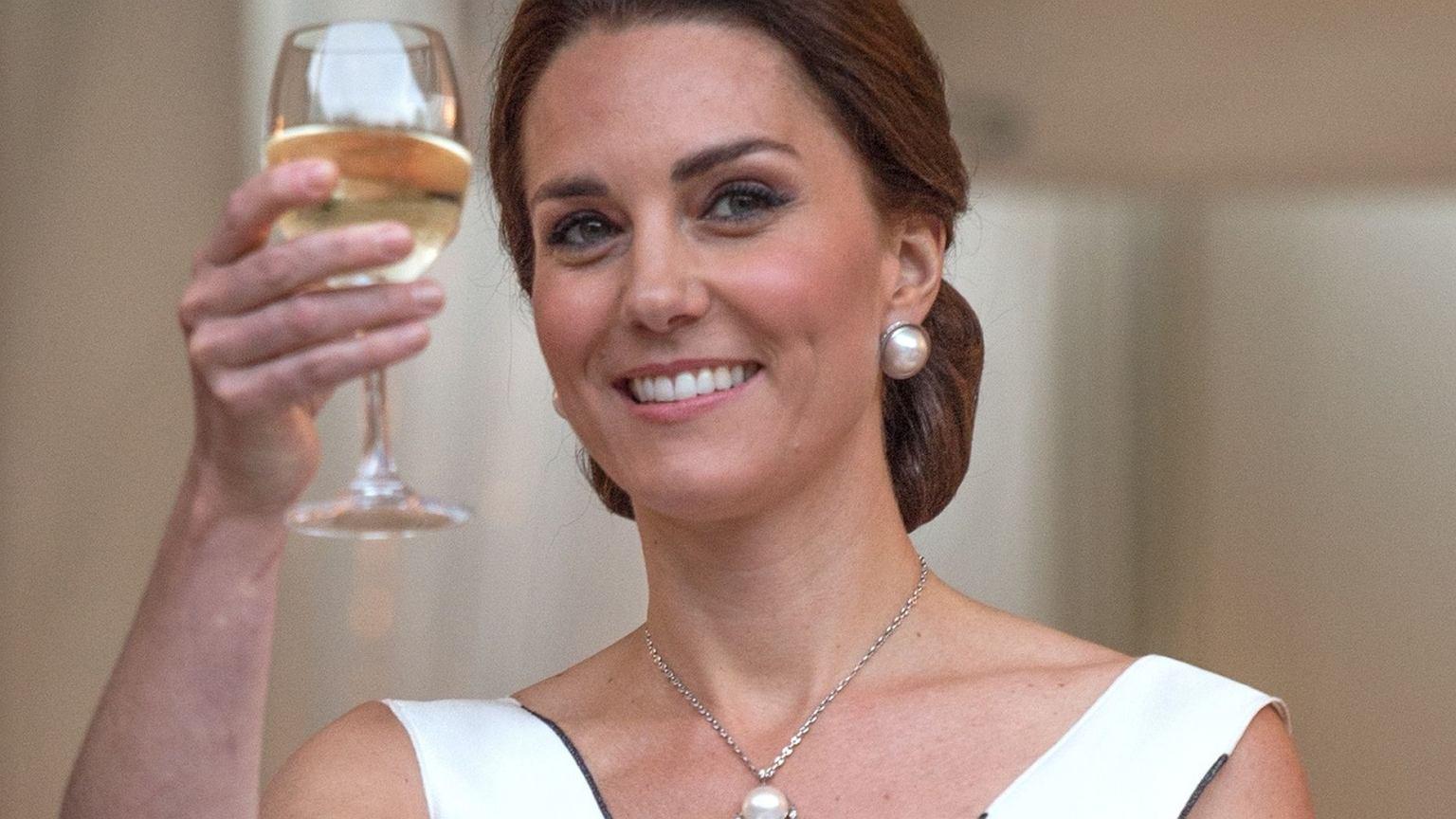 Księżna Kate Na Przyjęciu Pojawiła Się W Kreacji Gosi