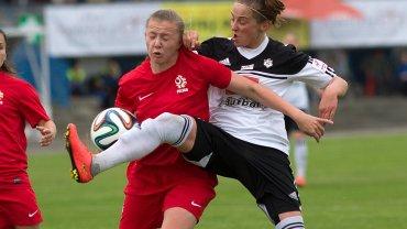 Mecz Medyk Konin - reprezentacja Polski 4:0. Dominika Dereń i Ewelina Kamczyk