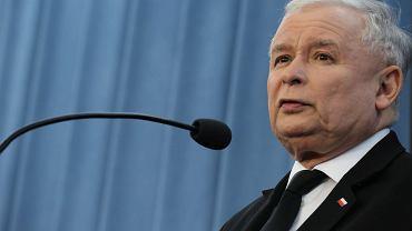 Jarosław Kaczyński na konferencji prasowej po spotkaniu z szefami partii politycznych w sprawie TK