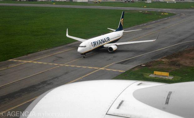 Ryanair zaczyna sprzeda� bilet�w na tanie loty do Modlina