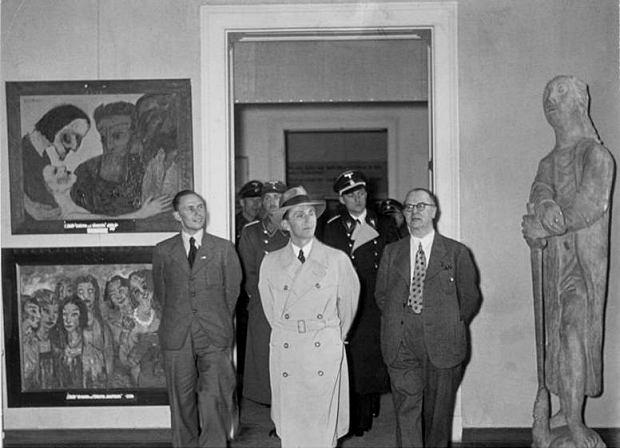 Niemieckie media: W domu 80-latka policja odkry�a 1500 obraz�w zrabowanych przez nazist�w