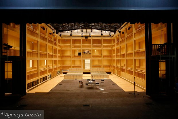 17.09.2014 Gdansk . Teatr Szekspirowski przed otwarciem . Fot. Rafal Malko / Agencja Gazeta  SLOWA KLUCZOWE: architektura teatry teatr detal /FR/