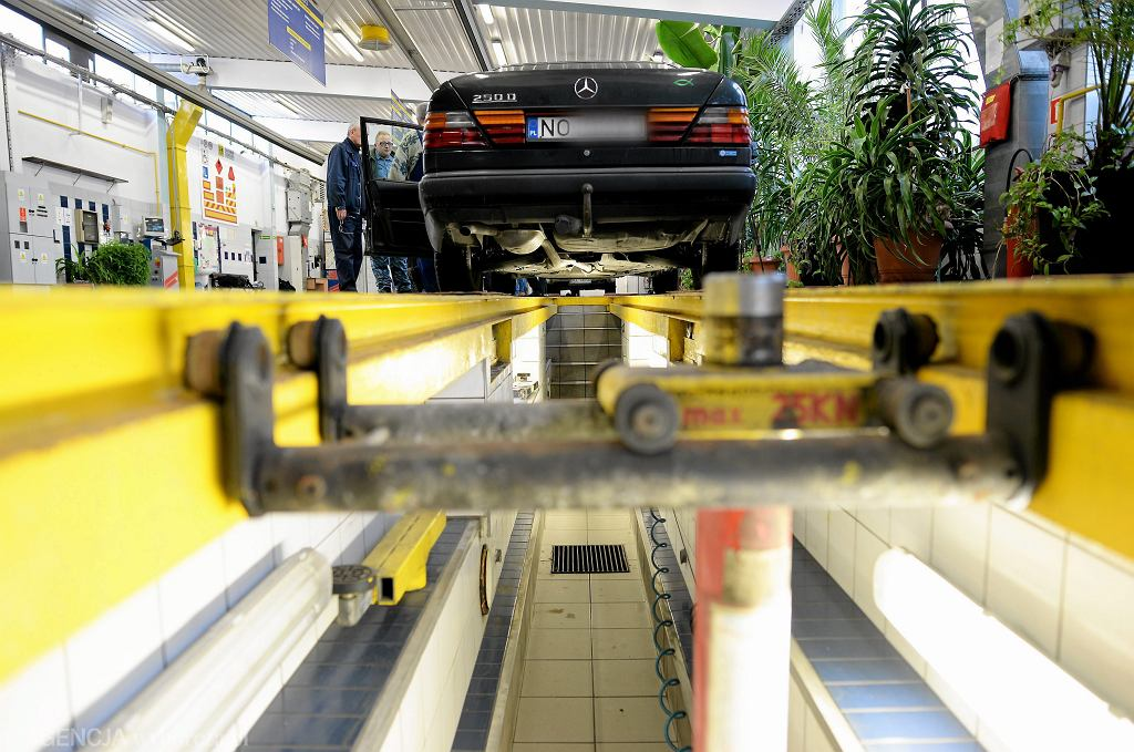 Badanie techniczne samochodu w stacji Kontroli Pojazdow WORD w Olsztynie