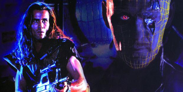 """""""Amerykański cyborg"""". Bardzo tani """"Terminator 2"""" [KULTOWY CZWARTEK]"""