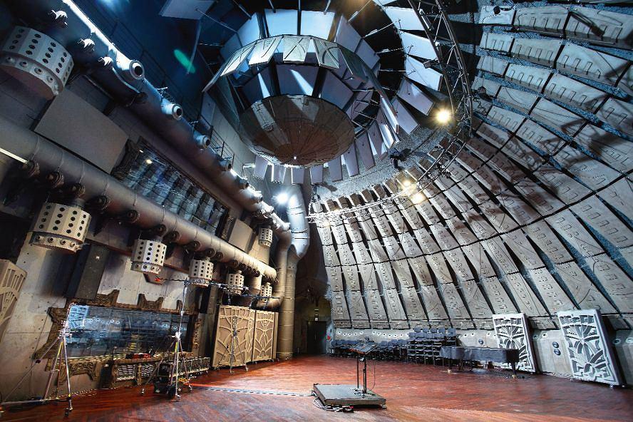 Studio nagrań muzycznych K0 1 Tu pracowali m.in. Krzysztof Penderecki i Jonny Greenwood, a także Leszek Możdżer. Wnętrze o powierzchni 430 m2 mieści orkiestrę symfoniczną z chórem. Z sufitu zwisa czasza z ruchomymi ramionami, które zmieniają akustykę w pomieszczeniu.