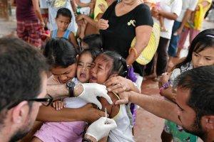 Najwi�ksza taka akcja. WHO i UNICEF zaszczepi� 23 mln dzieci na Bliskim Wschodzie przeciw polio
