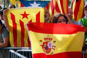 """Parlament w Katalonii przegłosował """"konsultację społeczną"""" w sprawie niepodległości"""