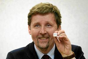 """Marek Migalski szuka pracy na Twitterze. """"Tylko powa�ne oferty"""""""