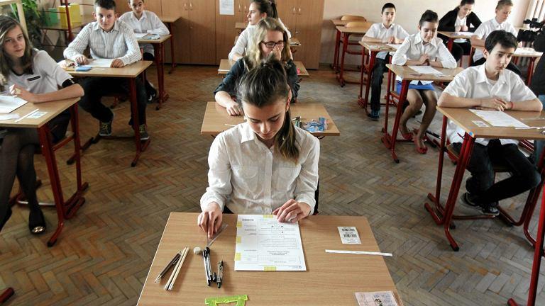 Sprawdzian szóstoklasisty w szkole w Kielcach w 2014 roku