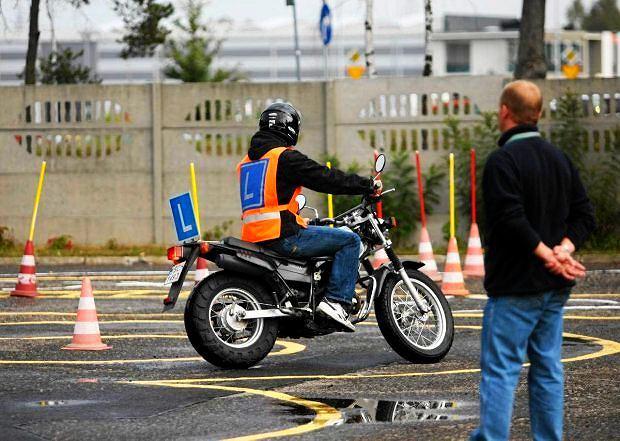 Motocyklem bez kursu