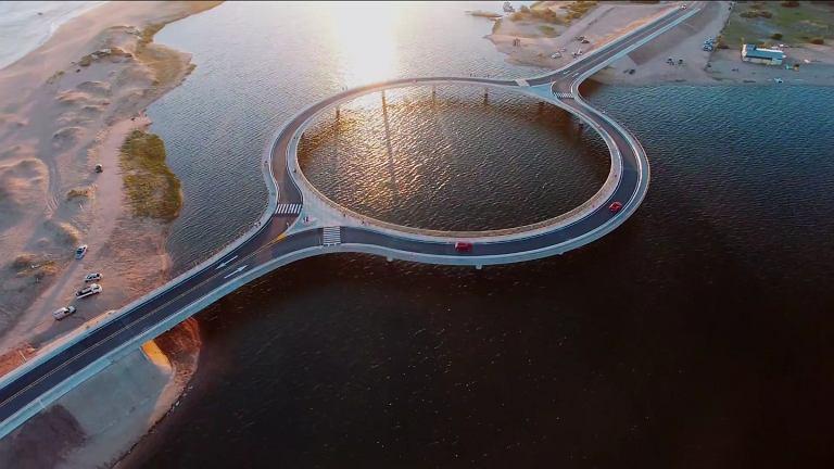 Most na lagunie Garzón