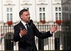 Prezydent RP Andrzej Duda podczas wystąpienia przed Pałacem Prezydenckim