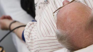 Udar mózgu wymaga natychmiastowej pomocy lekarskiej
