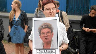 Protest przed Prokuraturą Generalną na Barskiej w sprawie śmierci Jolanty Brzeskiej