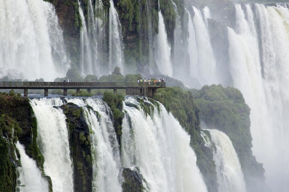 [Obrazek: z10329126IH,wodospady-iguazu--argentyna--brazylia.jpg]