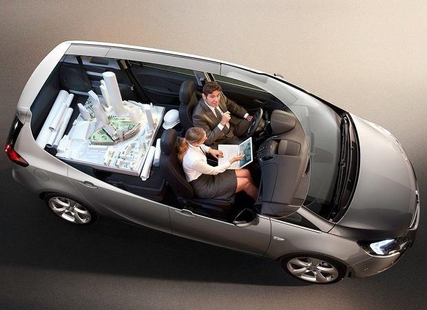 z10518086Q,Opel-Zafira-Tourer.jpg