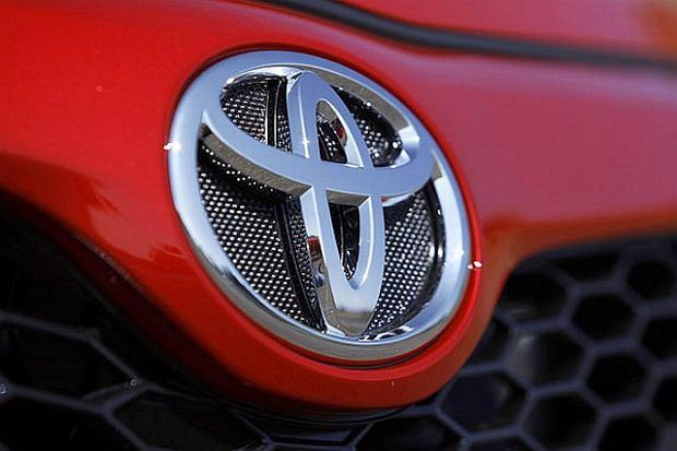 550 tys. Toyot i Lexusów do serwisów