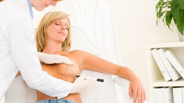 Według polskich służb nic nie wskazuje na to, by wszystkie kobiety, które mają założone implanty PIP, musiały je usuwać