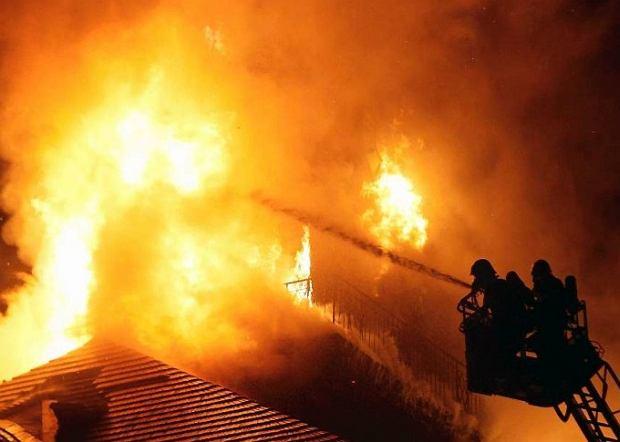 Po�ar kamienicy w Kaliszu. Zgin�y trzy osoby
