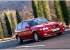 TOYOTA Corolla Hatchback 00-01, rok produkcji 2001, coupe, widok przedni prawy, samoch�d 3-drzwiowy, kolor czerwony jasny