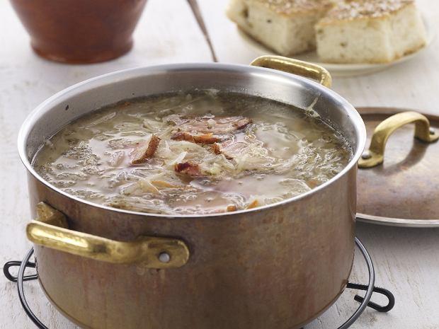 Domowe menu z solidną zupą i pysznym sernikiem
