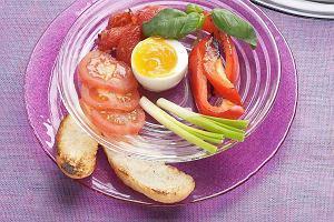 Jajka z pieczonymi pomidorami