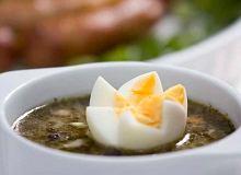 Barszcz bia�y z jajkiem - ugotuj